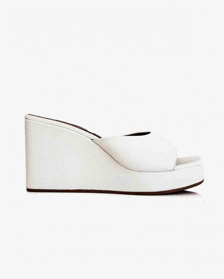 Level Wedge in White