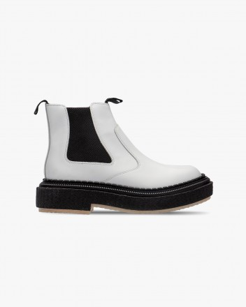 Type 155 Boots in White