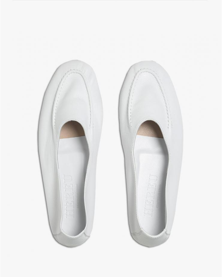 Juliol Loafer in White