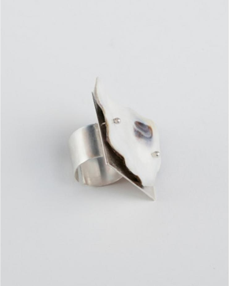 White Oyster Square Ring