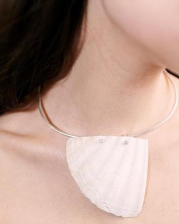 Hard Scallop Silver Necklace