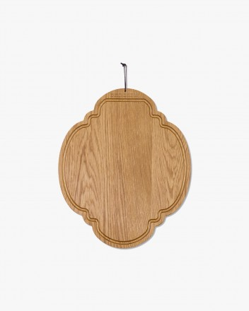 Butter Board Oval in Oiled Oak