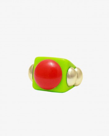 On Point Ring in Green