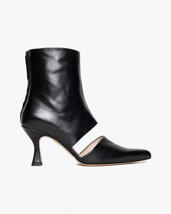 Sys Leather Boots in Black