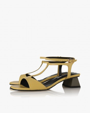 Becca Sandals in Yellow