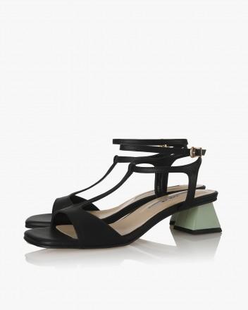 Becca Sandals in Black