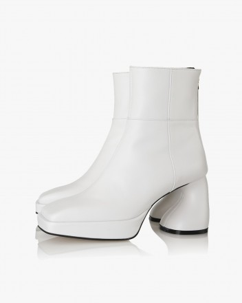 Dollie Boots in White