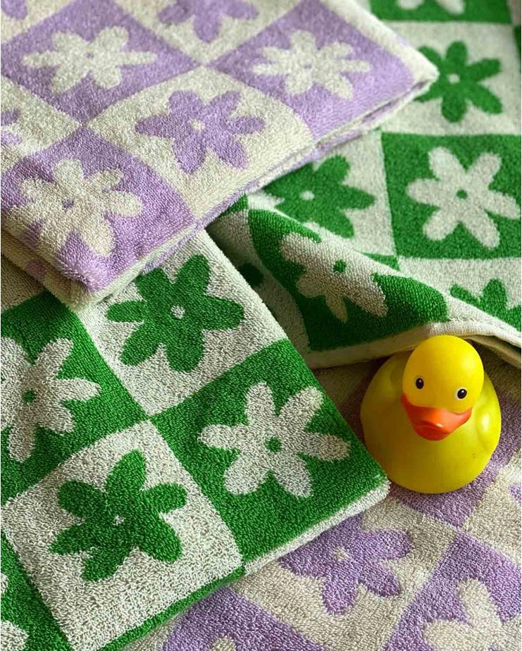 Celeste Hand Towel in Green
