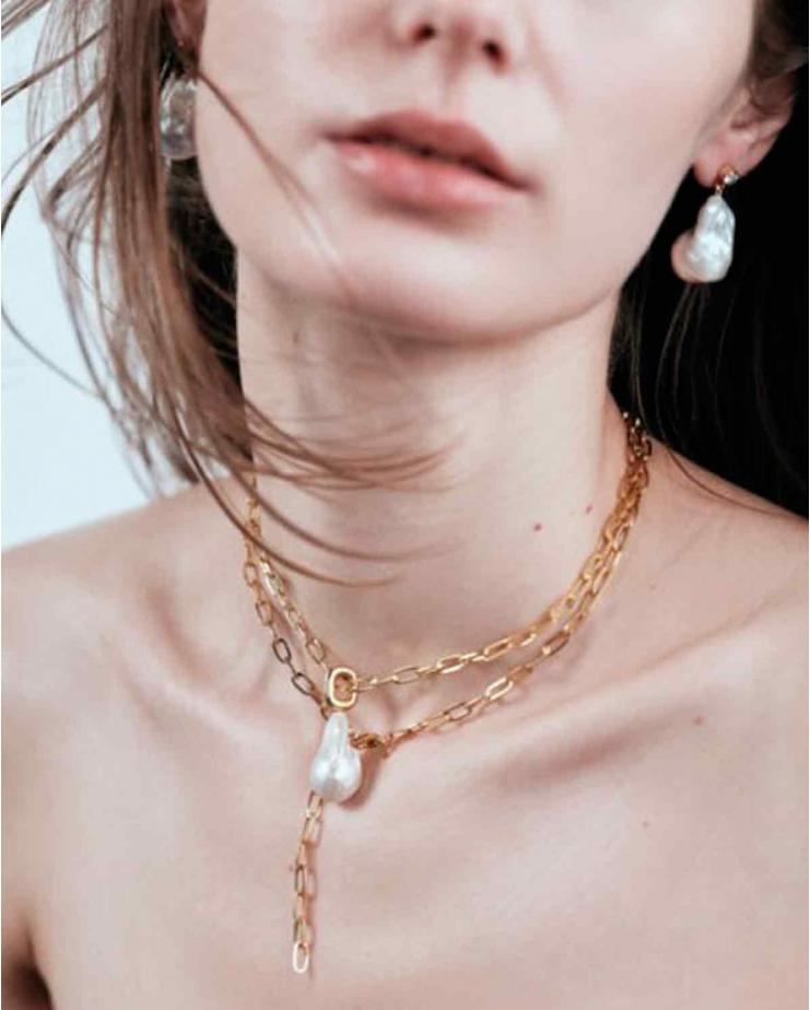 Kendall Baroque Short Necklace In Cultured Drop...