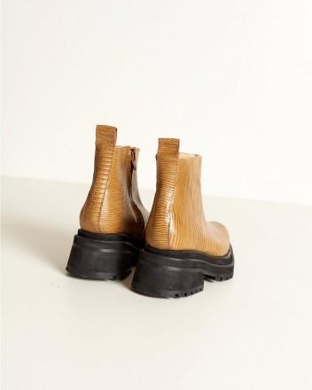 Lamsem Boots in Camel