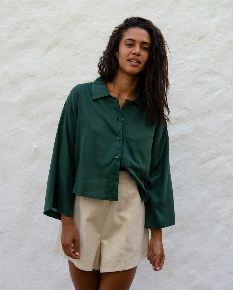 Cropped Shirt Jil in Jungle Green