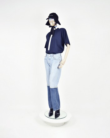 jeans knee buttons in Blue