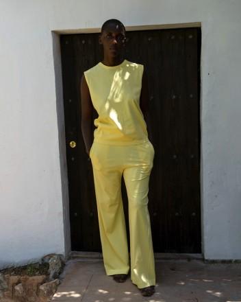 Sleeveless T-Shirt in Sundress
