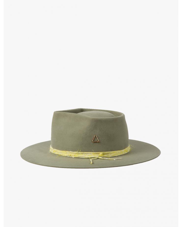 Triangulo Hat