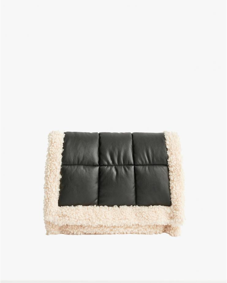 Viviene Quilt Clutch Black